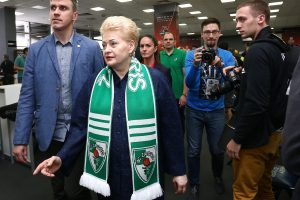 Prezidentė: Šaras – geriausias treneris, bet klubo remti valstybė nežada