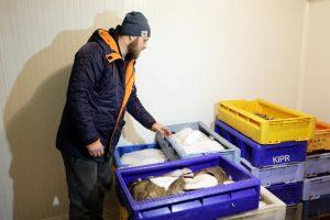 Narkomanai verslininkui pasiūlė įsigyti iš jo pavogtas žuvis