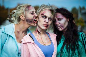 Žinomos dainininkės virto zombiais