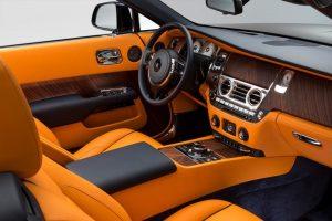 """""""Rolls-Royce"""" pristatė """"seksualiausią"""" modelį – prabangų kabrioletą """"Dawn"""""""