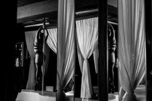 Dienos pietų – į striptizo klubą