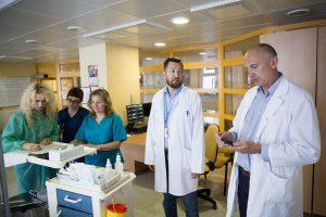 Vaikų reanimatologas: kai žmonės pila purvą ant medikų, tai neskatina likti Lietuvoje