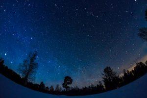 Astronomai: savaitgalį Lietuvos padangę raižę ugnies kamuoliai – tik pradžia