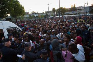 Paryžiaus policija iš neteisėtos stovyklos iškėlė 2,5 tūkst. migrantų