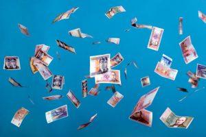 Dosnumas: valstybės įstaigos šiemet premijų išmokėjo dukart daugiau