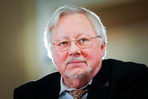 V. Landsbergio apsaugą įstatymu vyriausybė siūlo numatyti nuo 2015-ųjų sausio