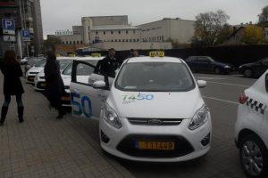 Vilniaus taksistai žada oro uosto boikotą