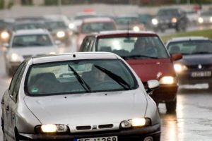Ketvirtadalį eismo įvykių šalyje sukelia 18-30 metų vairuotojai