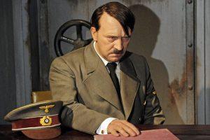 Lenkija pasipiktino neonacių paminėtu A. Hitlerio gimtadieniu