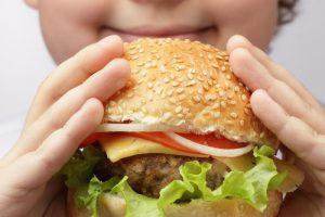 Medikai įspėja: cholesterolis užkemša kraujagysles
