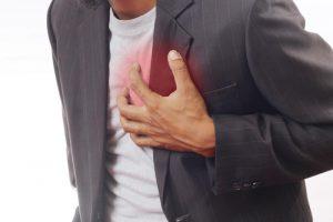 Slaugas ištikus infarktui pats sau suteikė pagalbą