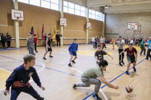 Mokyklų salės per atostogas bus atvertos sportuojantiems vaikams