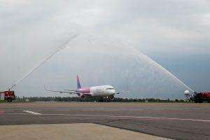 """Naujasis """"Wizz Air"""" orlaivis – jau Vilniaus oro uoste"""