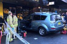 Sidnėjuje automobiliui įsirėžus į parduotuvę sužeisti septyni žmonės