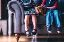 Primena: emigrantų vaikams priklauso ne tik vaiko pinigai
