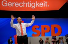 Vokietijos socialdemokratų lyderis užsipuolė kanclerę A. Merkel
