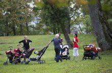 Nauja pertvarka: pensininkų pinigai – motinoms