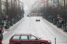 Piktinasi tvarka Gedimino prospekte: eismas savaitgalį draudžiamas tik teoriškai