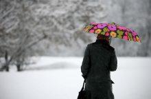 Beldžiasi žiema: naktimis spustels šaltukas ir pabirs snaigės