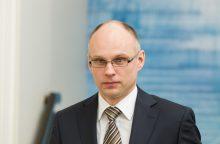 """Buvęs ministras """"Lietuvos geležinkelius"""" keičia į """"Avia Solutions Group"""""""