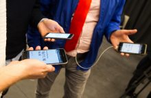 Specialistai pataria, kaip pailginti mobiliojo telefono baterijos gyvavimą