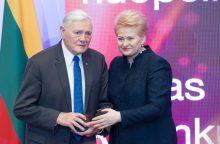 Favoritai nesikeičia: mėgstamiausi politikai – V. Adamkus ir D. Grybauskaitė
