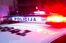 Nepasidalijo kelio su skubančiu policijos automobiliu