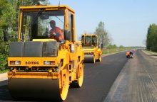 Sunerimo, kodėl buksuoja žvyrkelių asfaltavimas ir gatvių remontas