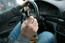 Girtutėlis teisių neturintis vairuotojas kėlė avarines situacijas