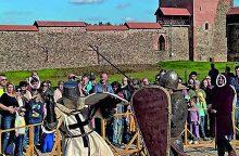 Į Medininkų pilį sukvies riterių kovos