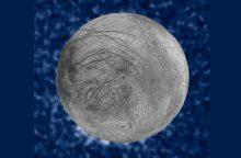 Jupiterio palydovo paslaptis – geizeriai švirkščia vandenį į 200 km aukštį