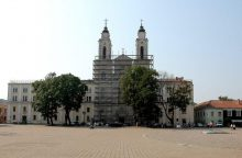 Pradėtos restauruoti Kauno jėzuitų bažnyčios freskos