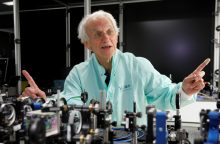 Nobelio fizikos premijos laureatas G. Mourou: lietuviai verti šios premijos