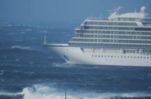 Norvegija evakuoja keleivius iš nelaimės signalą pasiuntusio kruizinio laivo