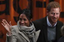 Po rasistinių pareiškimų apie princo Harry sužadėtinę – skyrybos