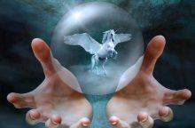 Ką jums gali iškrėsti pasąmonė, jei tikite būrėjais ir horoskopais?