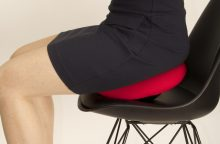 Įprastą sėdėjimą keičia balansinis: ką svarbu žinoti?