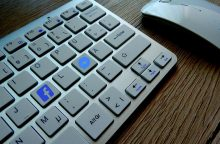"""Ar """"Facebook"""" pokyčiai padės atsikratyti priklausomybės nuo socialinių tinklų?"""