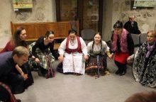 Folkloras – ištisų šeimų lūpose ir širdyse