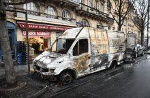Prancūzijos finansų ministras smurtinius protestus pavadino ekonomine katastrofa