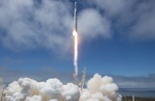 """""""SpaceX"""" raketa iškėlė vandens lygį stebėsiančių palydovų porą"""