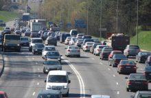 Įspėja: dėl avarijos Vilniaus Geležinio Vilko gatvėje formuojasi spūstys