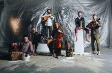 """Staigmena melomanams: išskirtiniai grupės iš Italijos """"Domo Emigrantes"""" pasirodymai"""