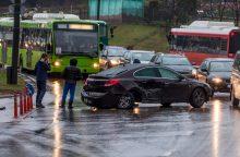 Dėl eismo nelaimės avaringoje sankryžoje – spūstys