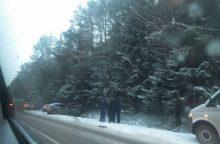Snieguotą rytą pasipylė avarijos <span style=color:red;>(papildyta)</span>