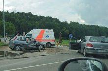 Netoli Lapių – avarija: medikų pagalbos prireikė net penkiems žmonėms