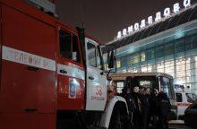 Maskvos oro uoste ugniagesių automobilis rėžėsi į pėsčiuosius, yra aukų