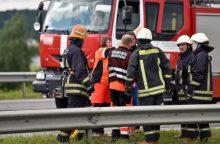 Per girto vairuotojo sukeltą avariją sužalota keleivė
