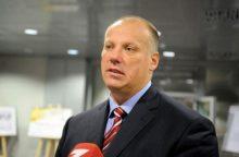 Latvija karinės technikos planuoja įsigyti Austrijoje