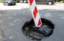 Vilniaus centre atsivėrė įgriuva, ribojamas eismas
